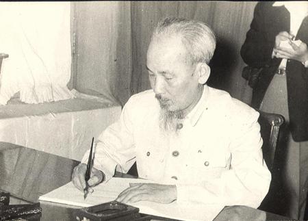 """Cần lan tỏa những tác phẩm về chủ đề """"Học tập và làm theo tư tưởng, đạo đức, phong cách Hồ Chí Minh"""""""