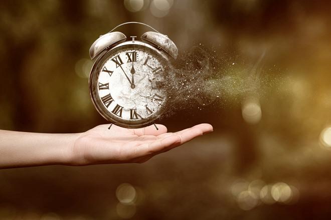 """""""Tờ lịch cuối năm"""": Chiêm nghiệm trong cõi nhân sinh"""