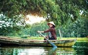 """""""Nước như nước mắt"""": Ám ảnh thân phận người phụ nữ miền sông nước"""
