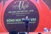 Ngày thơ Việt Nam lần thứ 17: Câu chuyện sông núi trên vai