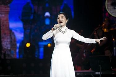 Ca sĩ Phạm Thu Hà: Say mê với dòng nhạc bán cổ điển