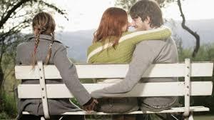 """""""Nhờ cậy trước giao thừa"""": Chuyện tình tay ba lãng mạn đầy ngang trái"""