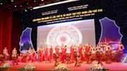 Nhọc nhằn quảng bá thơ Việt