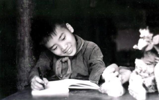 Nhà thơ Trần Đăng Khoa: Tôi đã lỡ lần được gặp Bác