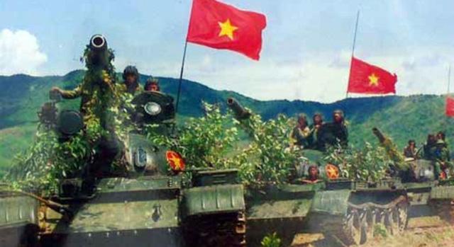 """""""Năm anh em trên một chiếc xe tăng"""": Bài ca của binh chủng """"Thép"""""""