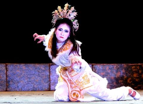 Những khác biệt trong cách khai thác nhân vật của sân khấu Tuồng và Chèo truyền thống