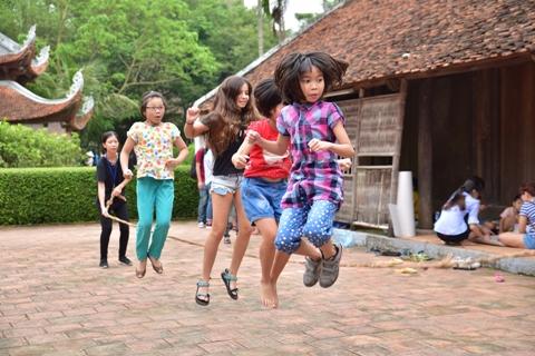 Trải nghiệm trò chơi dân gian tại Bảo tàng Dân tộc học: Niềm vui đầu xuân