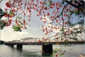 Tình yêu quê hương đất nước qua hình ảnh thơ