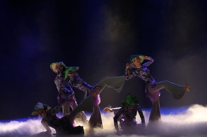 Tìm kiếm tài năng cho nghệ thuật múa nước nhà