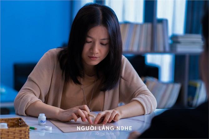 """Phim """"Người lắng nghe: Lời thì thầm"""" đoạt giải LHP quốc tế nghệ thuật châu Á 2021"""