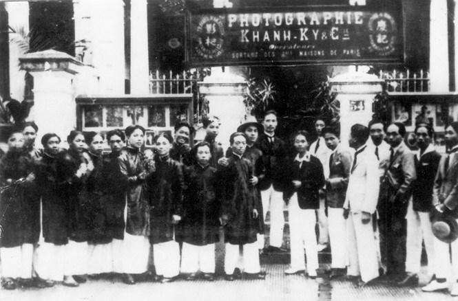 Những người lưu giữ lịch sử bằng hình ảnh